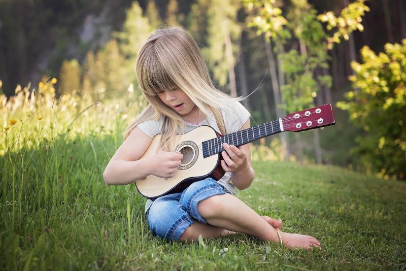Bauklötze staunen – Musik machen mit Caustic