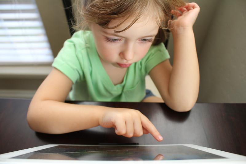 Apple-Geräte kindersicher machen: Familienfreigabe im Selbsttest